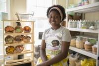 Menina empreendedora desenvolve sua própria linha de produtos para banho