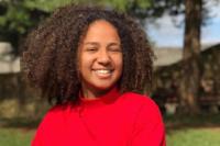 CEO de uma startup aos 18 anos: conheça Louise Ferreira