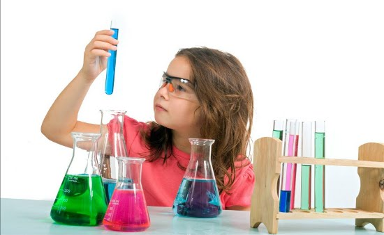 ciencias_menina-cientista